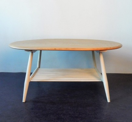 Model 454 refinished supper or coffee table by Lucian Ercolani for Ercol, 1960's