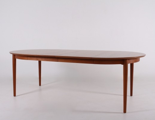 Expendable teak 'model 204' table by Arne Vodder for Sibast