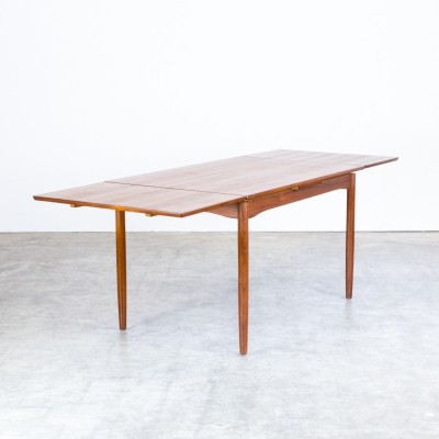 Danish teak extandable dining table for Randers Møbelfabrik, 1960s