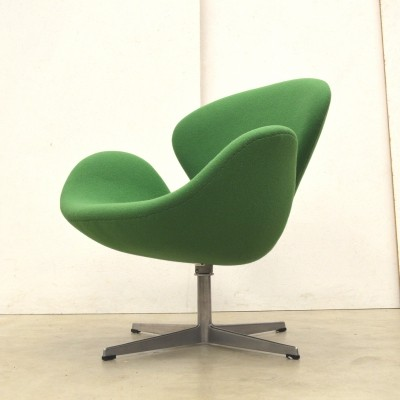 Swan lounge chair by Arne Jacobsen for Fritz Hansen, 1960s