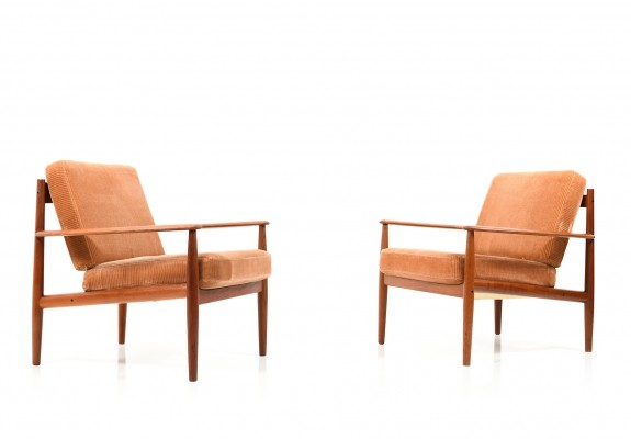 Set of Two 'Model 118' Easychairs by Grete Jalk