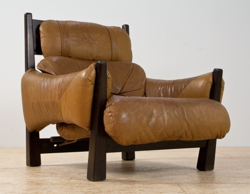 Brazilian modern lounge chair in camel coloured leather & ash wooden frame