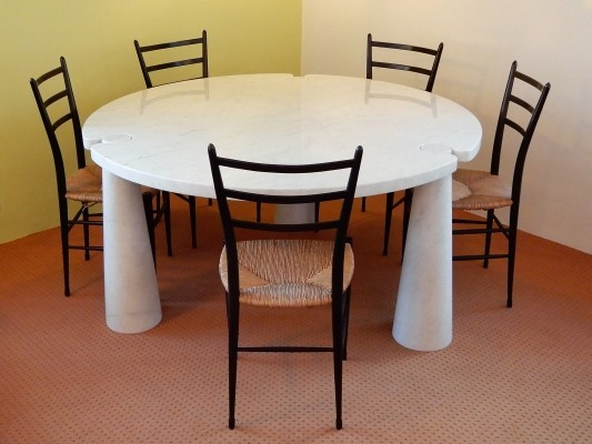 Round Carrera marble Eros Dining Table by Angelo Mangiarotti for Skipper, 1970s
