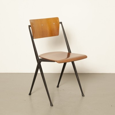 4 x Pyramide dinner chair by Wim Rietveld for Ahrend de Cirkel, 1950s
