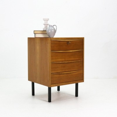 Compact '50s Chest of Drawers in Walnut