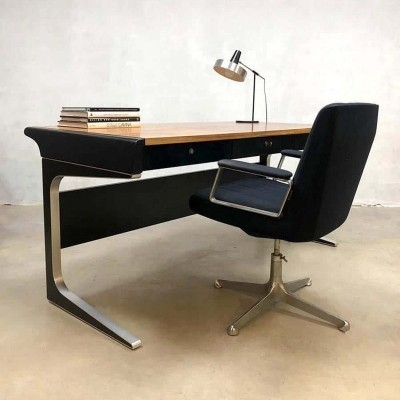 Midcentury modern office desk by Osvaldo Borsani for Tecno