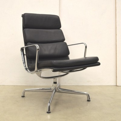 EA215 lounge chair by Charles & Ray Eames for Vitra, 1990s