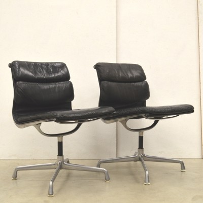 Pair of EA206 Soft Pad office chairs by Charles & Ray Eames for Herman Miller, 1970s