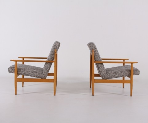 Pair of Thonet TON armchairs