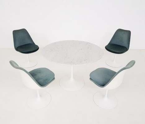 Tulip dinner set by Eero Saarinen for Knoll International, 1960s