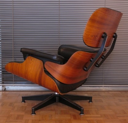 Vintage Black Leather & Rosewood Eames Lounge Chair For Herman Miller