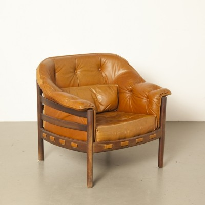 Light brown leather armchair by Arne Norell for Coja