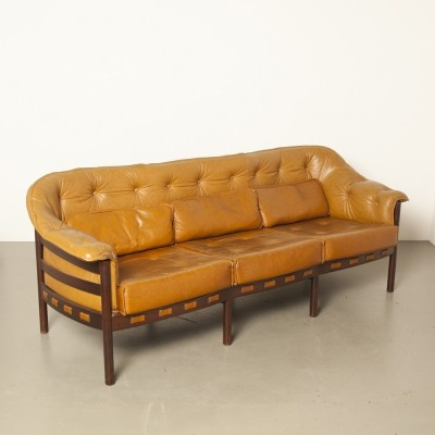 Light brown leather sofa by Arne Norell for Coja
