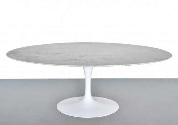 Dining table by Eero Saarinen for Knoll International, 1970s