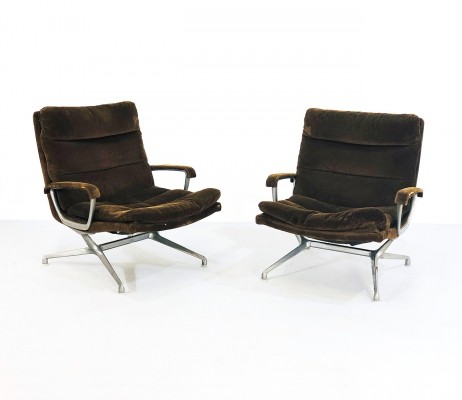 Pair of armchairs by Paul Tuttle for Braun