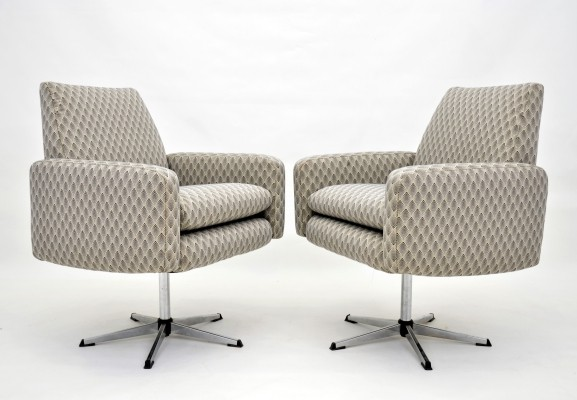 Set of 2 swivel lounge chairs, 1970s