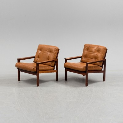 Pair of Capella Model 4 lounge chairs by Illum Wikkelsø for Niels Eilersen, 1960s