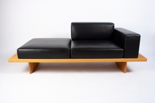 Black Leather & Oak 'Refolo' bench by Charlotte Perriand for Cassina