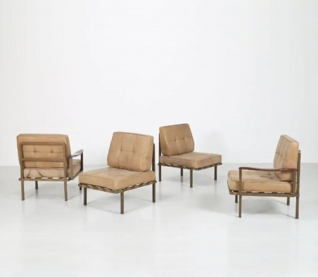 Modular leather 'mod. p24' sofa by Osvaldo Borsani for Tecno, 1960s