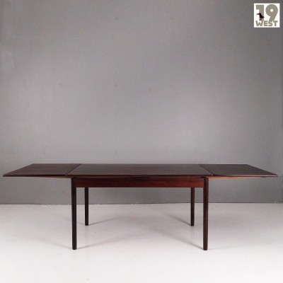 Extendable scandinavian rosewood table from the 1960's