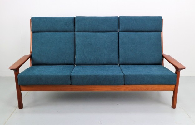 Danish teak three seat Sofa by Juul Kristensen for Glostrup Mobelfabrik