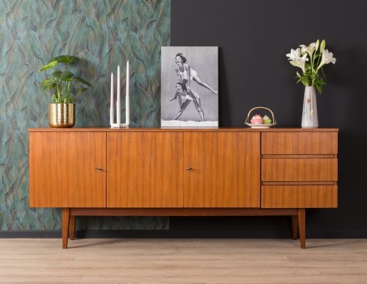 Sideboard in walnut from the 1960s