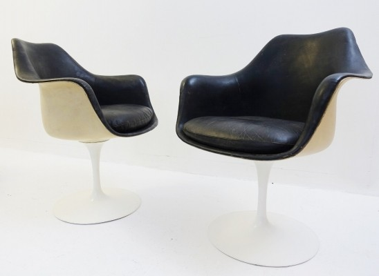 Pair Of Black Leather Tulip Armchairs by Eero Saarinen Eero Saarinen for Knoll