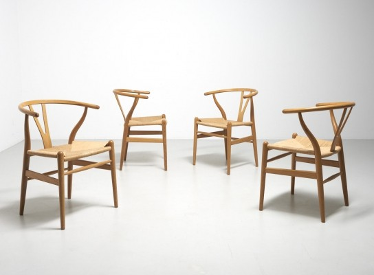 Set of 4 CH24 dining chairs by Hans Wegner for Carl Hansen & Son, 1990s