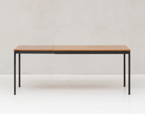 Model 3707 'Telescope' dining table by Willem Hendrick Gispen