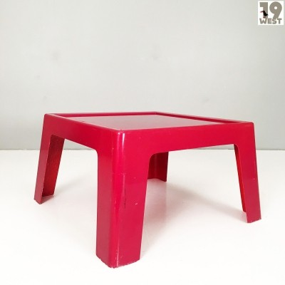 Glassfiber garden tables from the 1970's