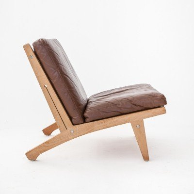 Pair of brown leather model 370 Hans Wegner lounge chairs for Getama, 1950s