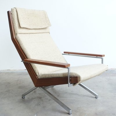 'Lotus' lounge easychair by Rob Parry