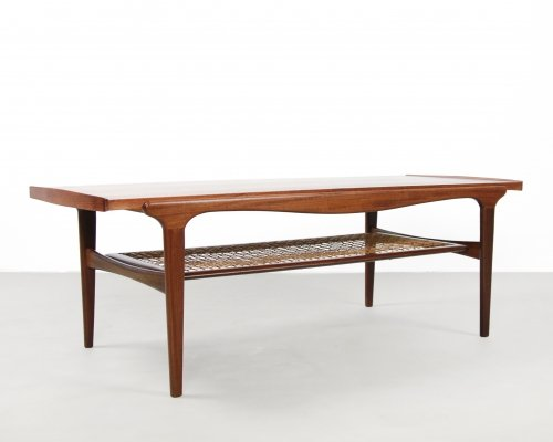 Teak Dutch design coffee table with reversible formica leaf