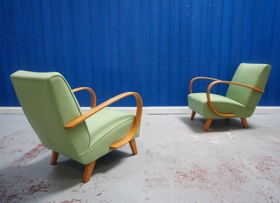 Pair of Jindrich Halabala for Thonet Bentwood Armchairs in Apple Green, 1930s