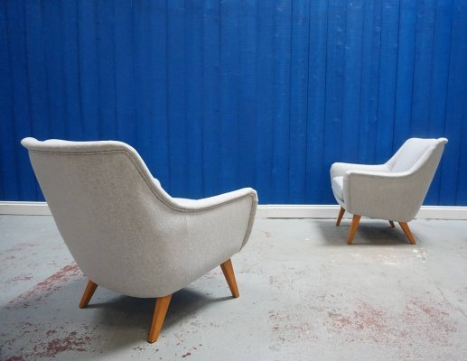 Pair of Mid Century Danish Lounge Club Chairs in Light Grey