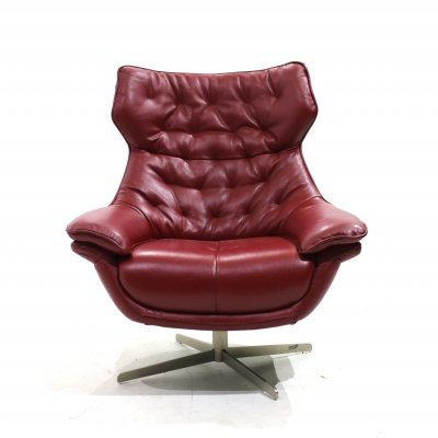 Nordic armchair in leather