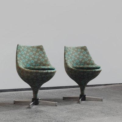 A pair of 'Polaris' swivel chairs by Pierre Guariche for Meurop, 1960s