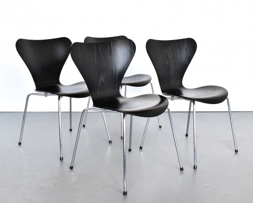Set of 4 Series 7 dining chairs by Arne Jacobsen for Fritz Hansen, 1990s