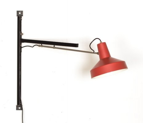 Vintage telescope wall lamp with red shade by Niek Hiemstra for Hiemstra Evolux