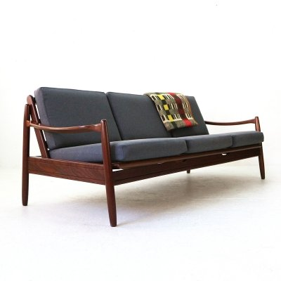 60s Sofa With Pull-Out Seat