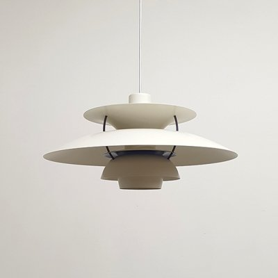 White PH5 light by Poul Henningsen for Louis Poulsen