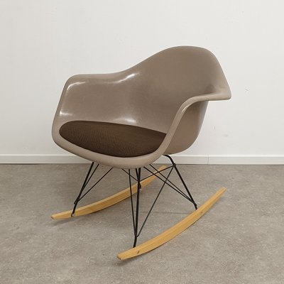 Glassfiber RAR rocking chair by Ray & Charles Eames for Herman Miller