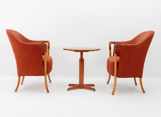 Seating group with two 'Progetti' chairs by Umberto Asnago for Giorgetti