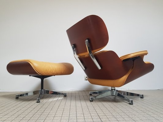 Vintage design Eames lounge chair + ottoman by Vitra, 1990s
