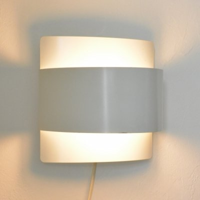 Minimalistic wall sconce by Peter Celsing for Falkenbergs Belysning Sweden