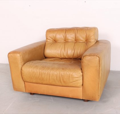 Comfortable 'DS40' club chair in cognac leather by De Sede