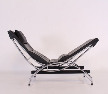 Swecco black leather & chrome chaise longue, 1980's