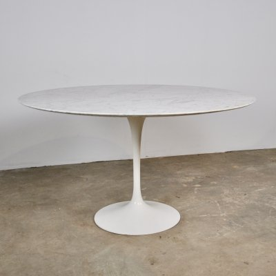 Dining table by Eero Saarinen for Knoll International, 1965