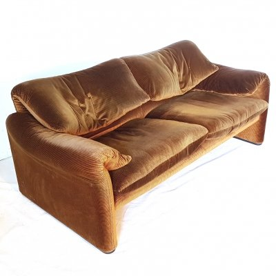 Vintage Maralunga 2 seater sofa by Vico Magistretti for Cassina, Italy 1970s