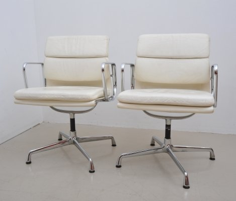 2 x EA 207 office chair by Charles & Ray Eames for Vitra, 1990s